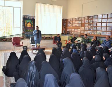 گزارش تصویری بازدید مسئولین شهرستان از هنرستان شفق