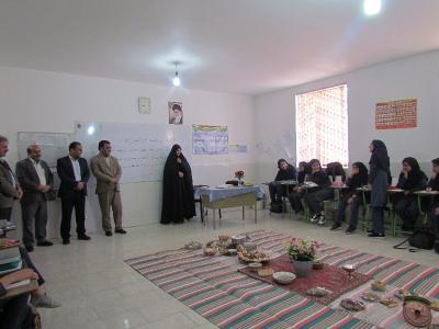 جشنواره غذای سنتی در دبیرستان آیت الله بهجتی برگزار شد.