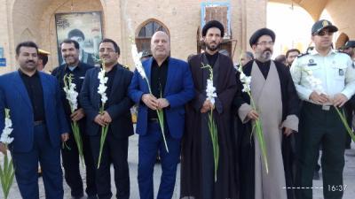 غبارروبی گلزار شهداء در هفته دفاع مقدس