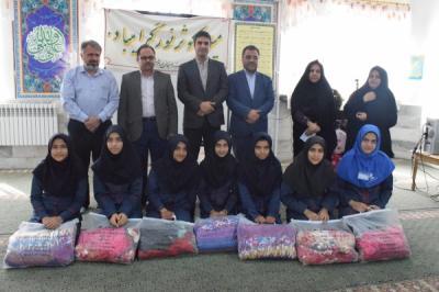 برگزاری مراسم تجلیل از نخبگان دبیرستان دخترانه امام حسین (ع)