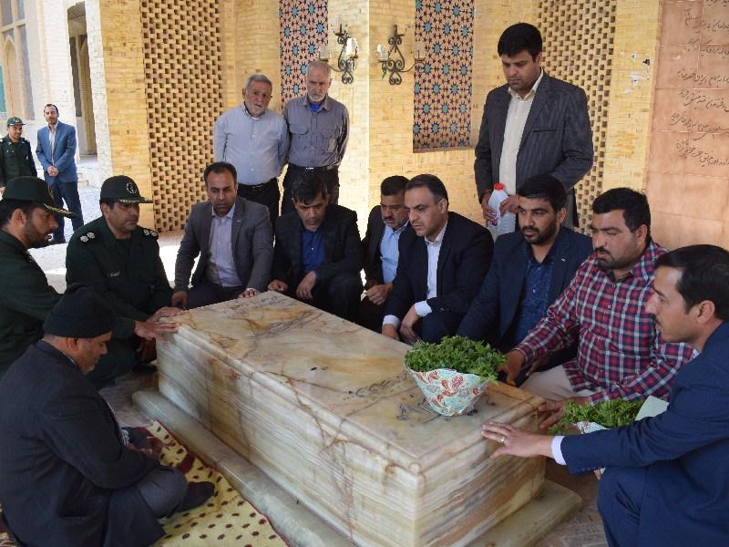 غباروربی قبور مطهر شهدای فرهنگی به مناسبت بزرگداشت هفته معلم