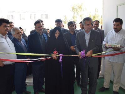 سالن ورزشی زنده یاد امیر طالعی در هنرستان فاطمه الزهرا افتتاح شد.