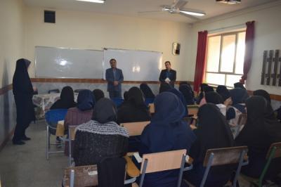 بازدیددوره ای مدیر ومعاونت آموزشی آموزش وپرورش با دانش آموزان مقطع پیش دانشگاهی استعدادهای درخشان