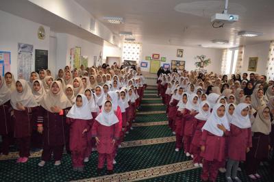 برگزاری صبحگاه کتاب وکتاب خوانی در آموزشگاه عصمت وکیلی احمد آباد