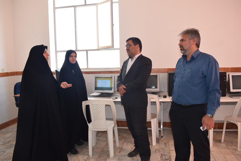 کلیه مدارس متوسطه اول شهرستان به کارگاه ITمجهز گردید